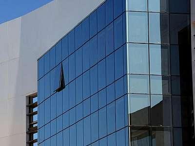 Pele de vidro instalação