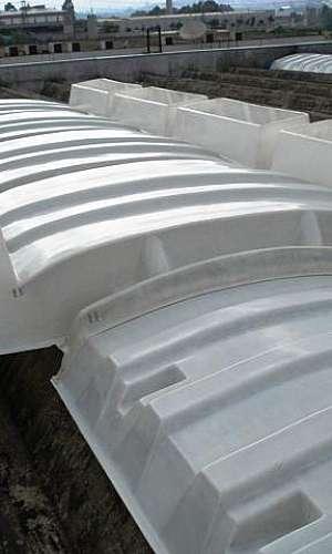 Instalação de domus de fibra de vidro