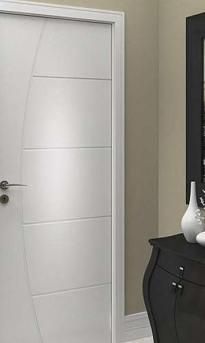 Porta branca para quarto