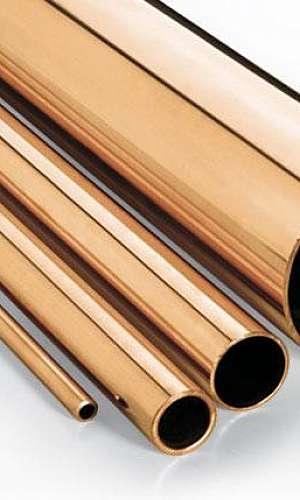 Tubo de bronze
