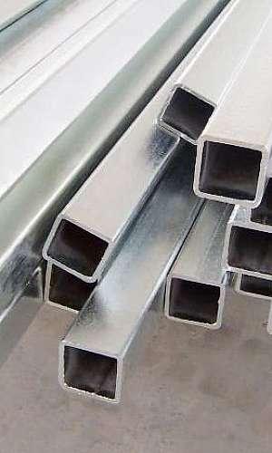 Tubo de ferro quadrado
